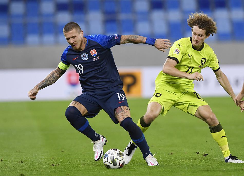 欧国联斯洛伐克1-3捷克
