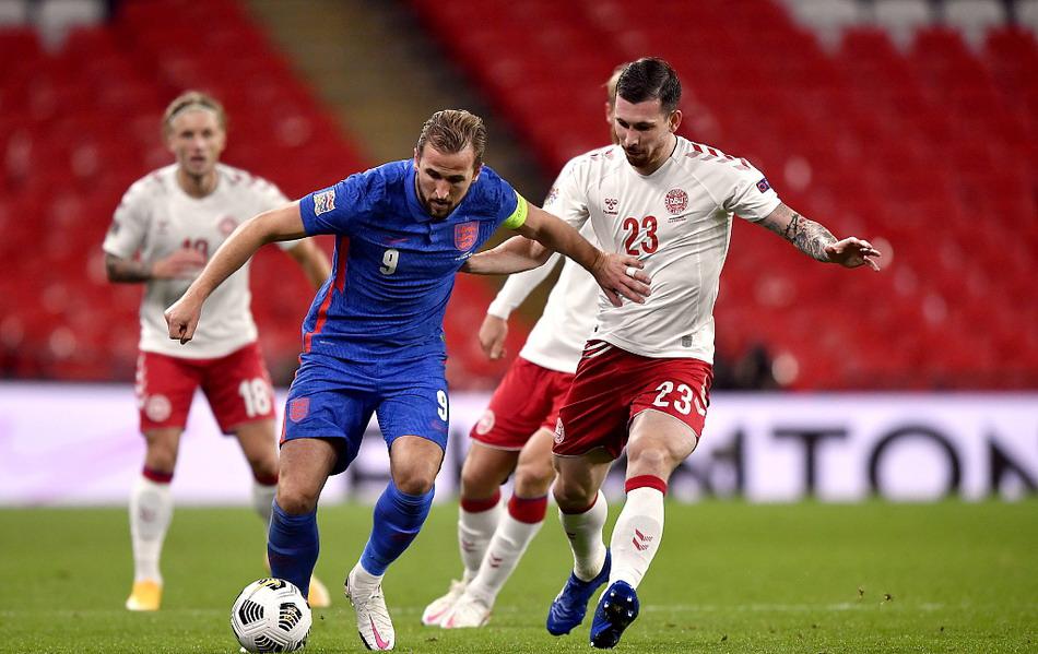 欧国联英格兰男足主场0-1丹麦,丢掉榜首位置,埃里克森点射破门