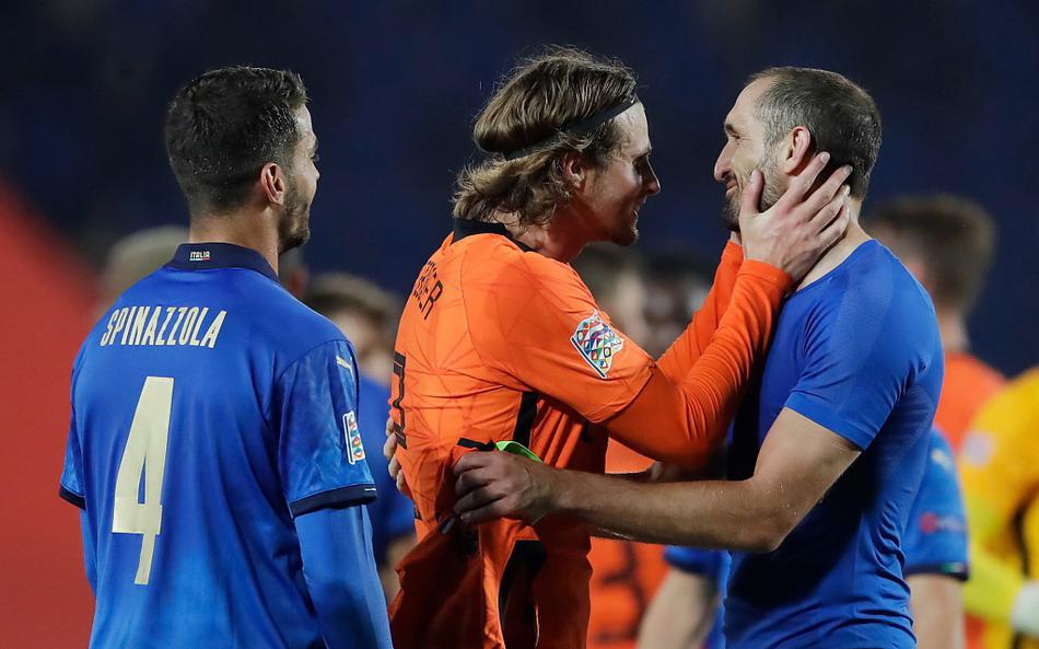 欧国联意大利主场1比1荷兰,佩莱格里尼首开