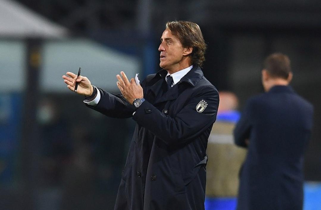 欧国联第四轮意大利1:1荷兰,佩莱格里尼与范德贝克各进一球