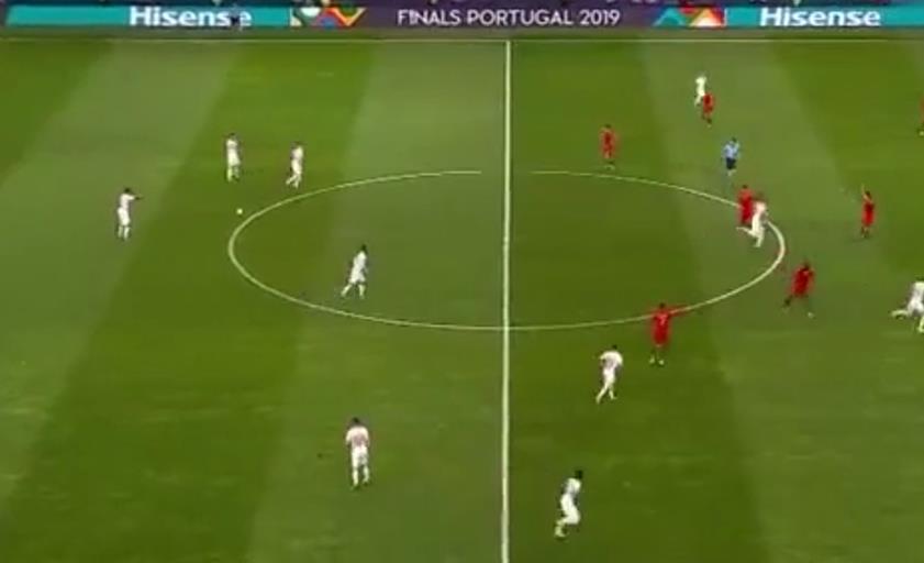 欧国联C罗进第3球完成帽子戏法!央视贺炜解说,为之疯狂