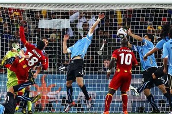 苏亚雷斯世界杯手球是怎么回事?具体有什么影响?