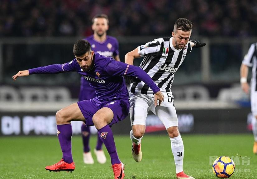 北京时间2月10日凌晨,意甲联赛第24轮,尤文客场2-0战胜佛罗伦萨,进球的是伊瓜因和贝尔纳代斯基。
