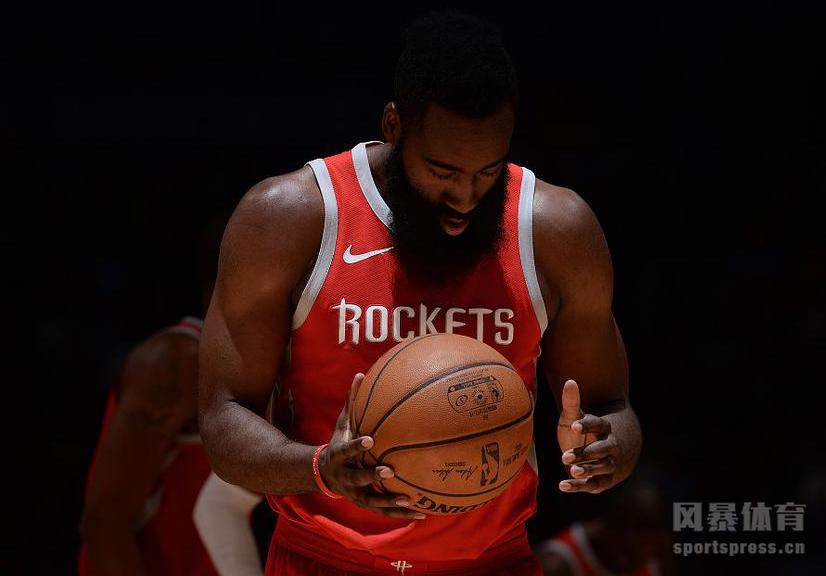 北京时间2月26日NBA常规赛,火箭以119-114客场战胜掘金豪取12连胜。保罗哈登联手砍下64分。