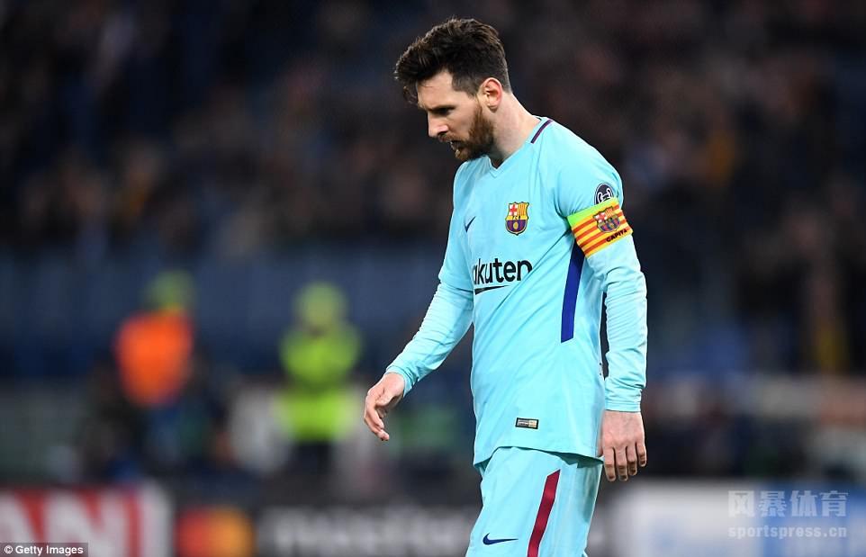欧冠八强战次回合,罗马主场3-0完胜巴萨,总比分战平的情况下依靠客场进球优势挺进半决赛。