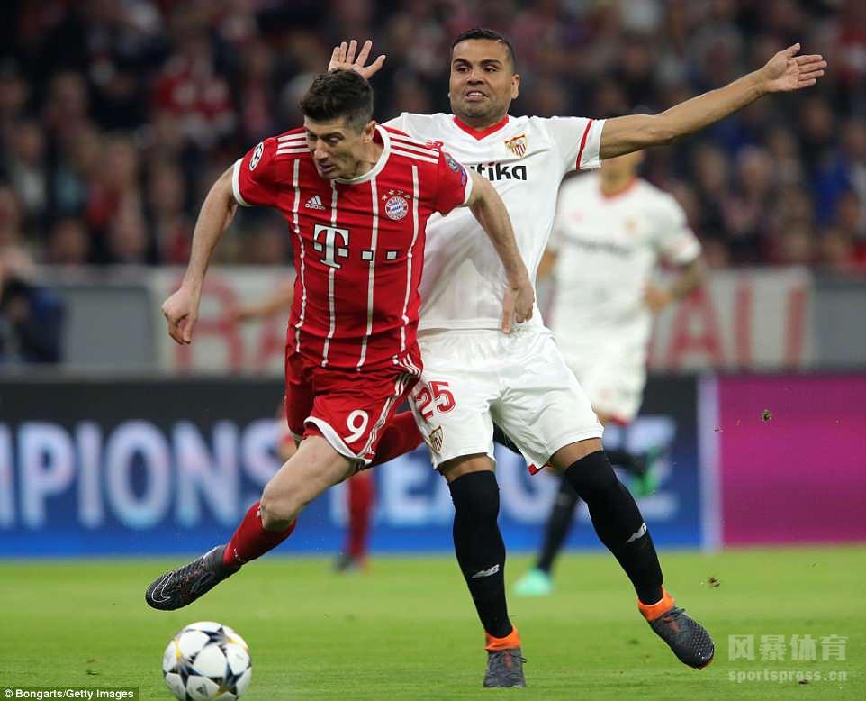 欧冠八强战次回合,拜仁主场战平塞维利亚,总比分2-1晋级四强。