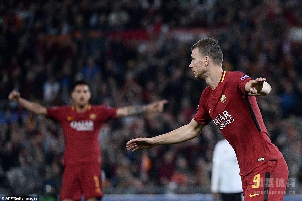 罗马主场4-2逆转击败利物浦,但总比分依然6-7无缘决赛。