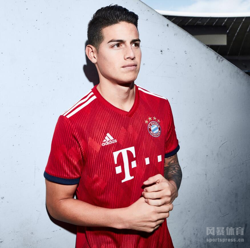 拜仁官方发布18/19赛季主场球衣。