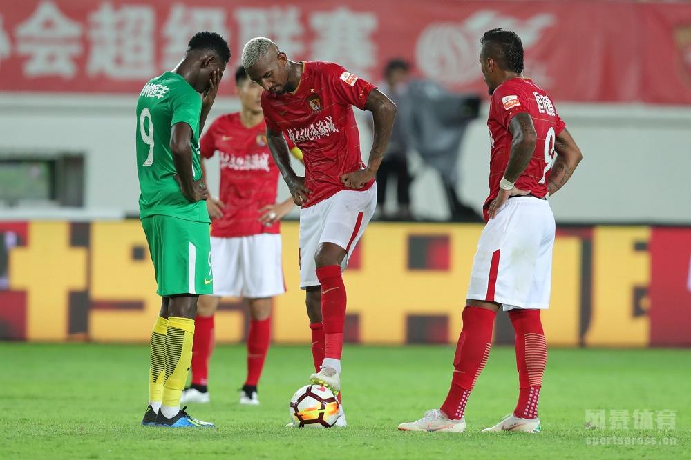 塔利斯卡首秀戴帽郜林倒钩钟义浩染红,恒大4-0恒丰终结3轮不胜。
