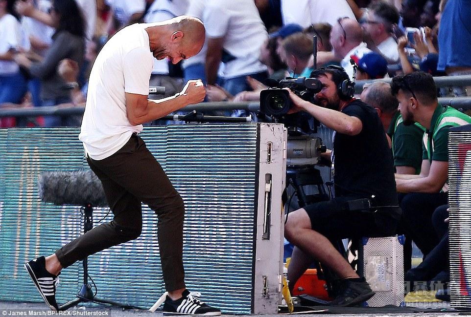 社区盾曼城2-0切尔西,阿圭罗梅开二度,成队史200球首人。