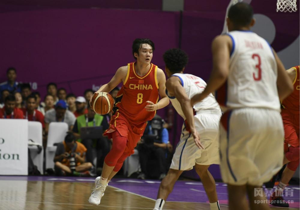 2018年8月21日,印尼雅加达,2018年雅加达亚运会男篮小组赛,中国男篮红队82-80险胜菲律宾。