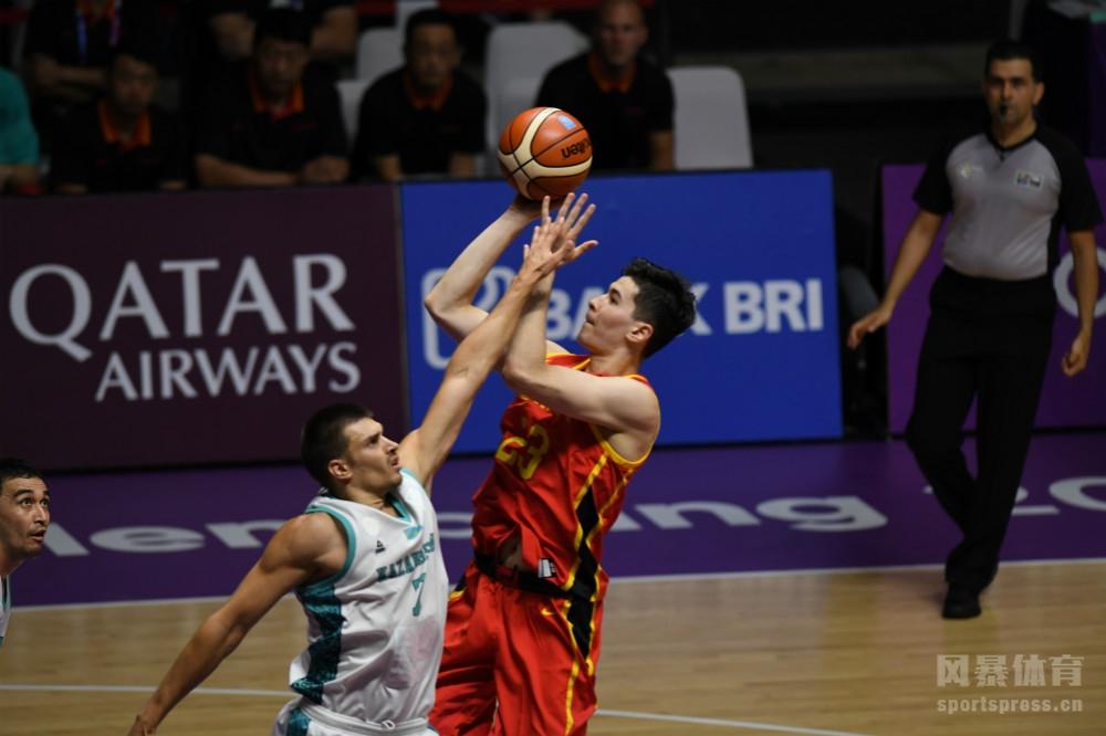 亚运会男篮:中国83-66哈萨克斯坦 周琦9分3帽