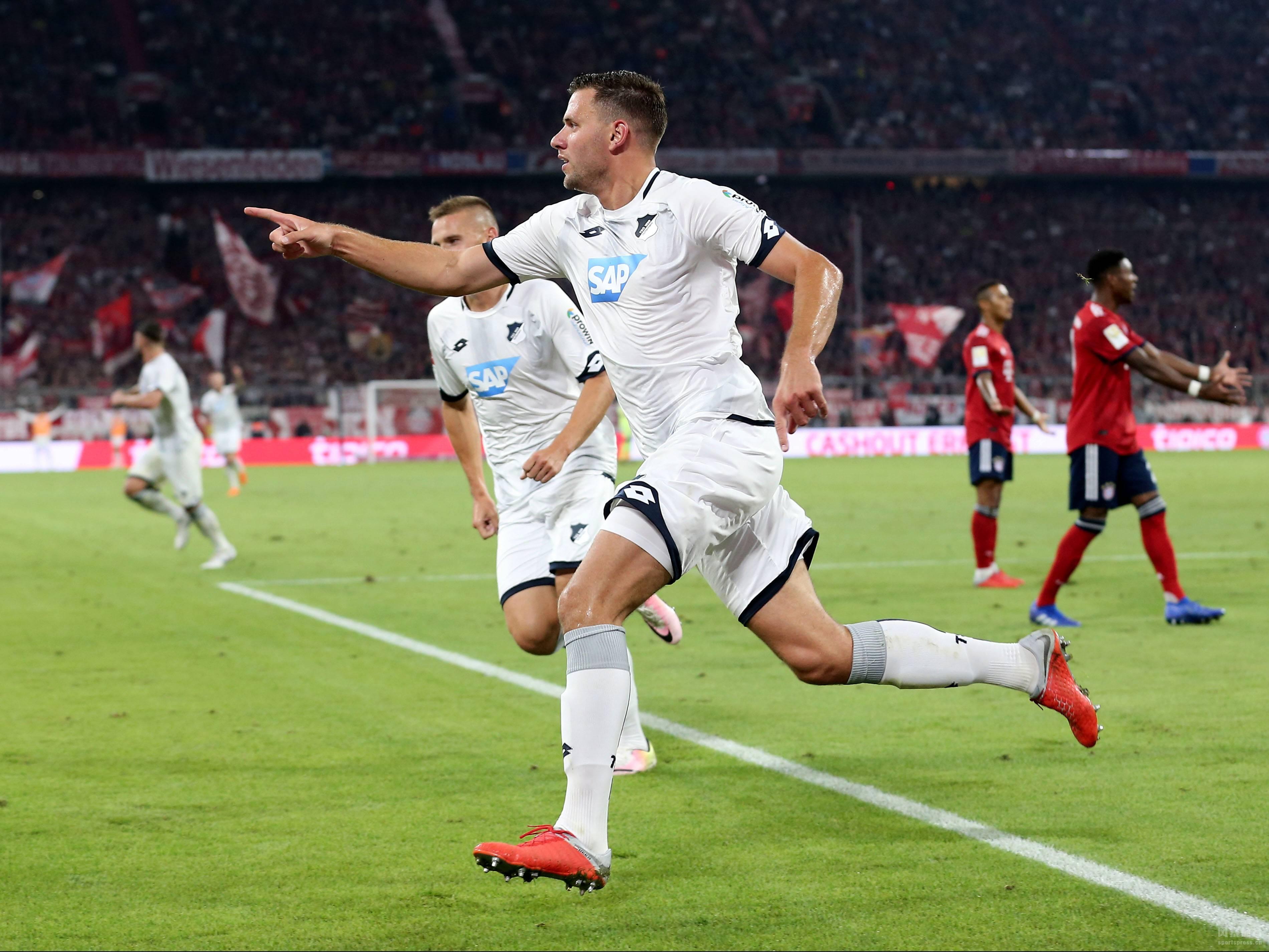 德甲揭幕战 拜仁3-1霍芬海姆 穆勒破僵科曼伤退