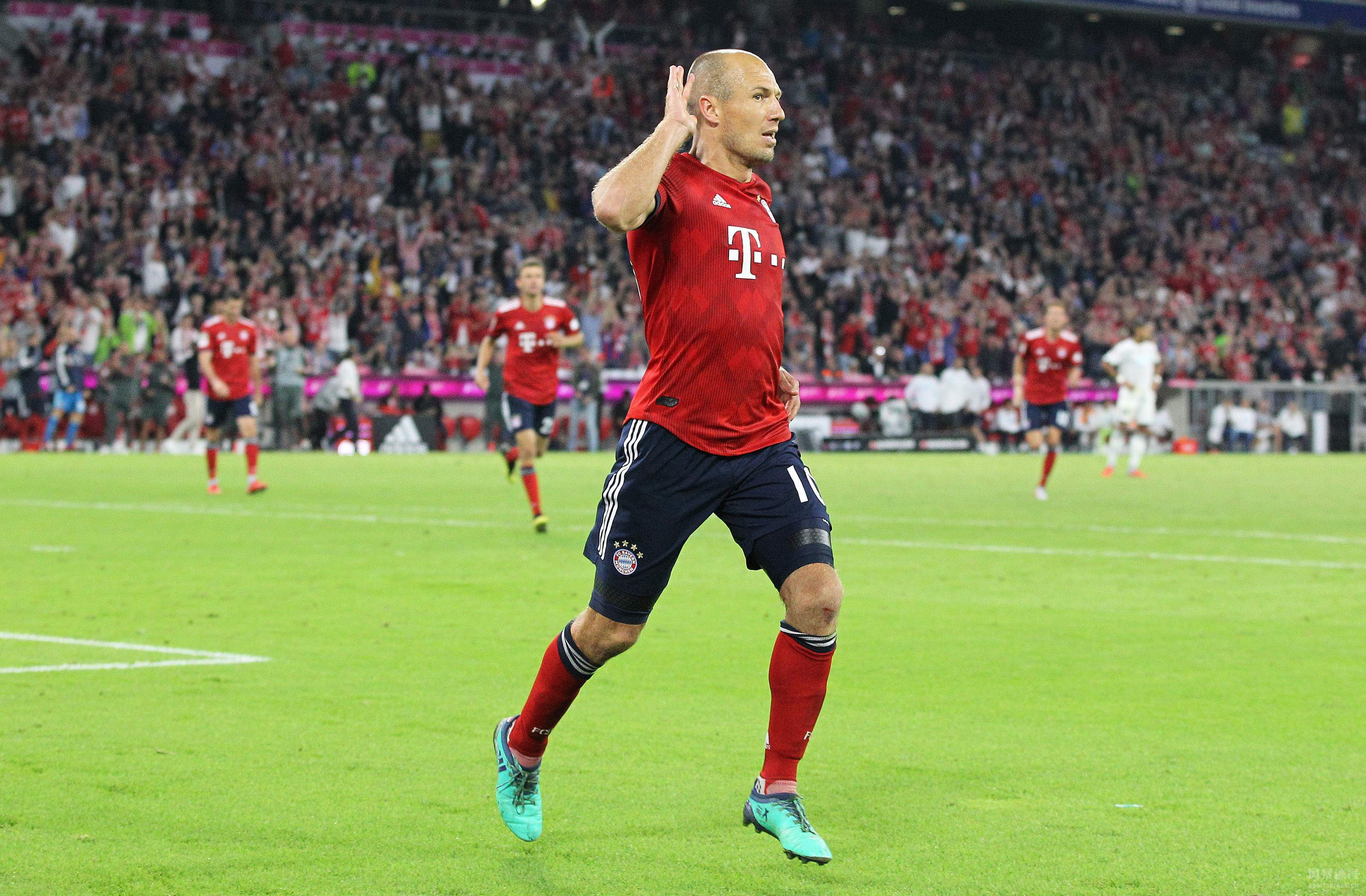拜仁3-1拿下霍芬海姆,科曼遗憾伤退,休战至少数周。