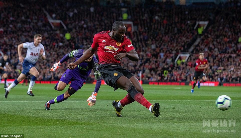 英超 曼联0-3热刺 卢卡斯梅开二度 凯恩连场进球