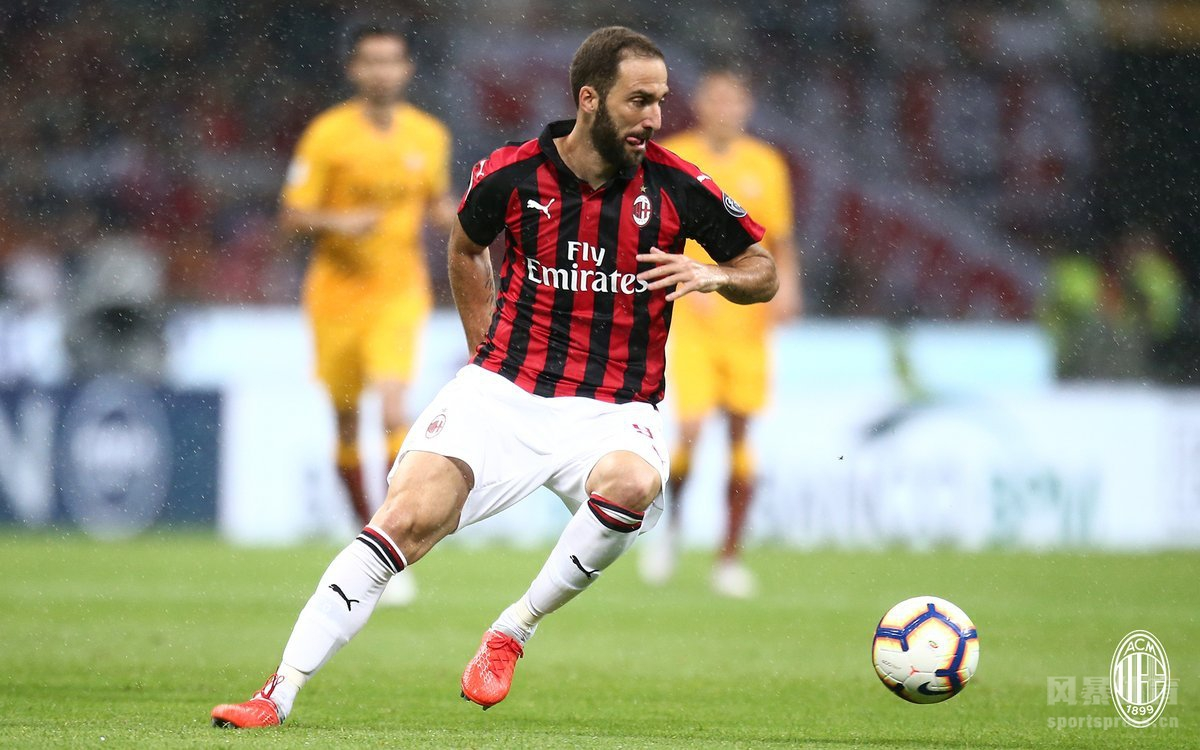 米兰2-1罗马夺新赛季首胜,伊瓜因助攻库特罗内95分钟绝杀,VAR判伊瓜因恩宗齐进球无效