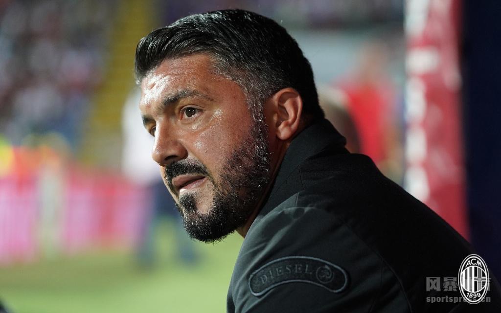 17日凌晨2:30,米兰客场挑战卡利亚里,若昂佩德罗闪电破门,伊瓜因攻进米兰生涯首球,最终双方1-1握手言和