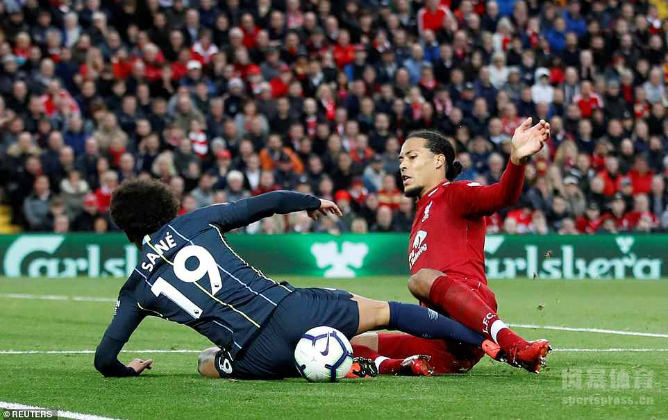 英超-马赫雷斯失点米尔纳伤退 利物浦0-0曼城