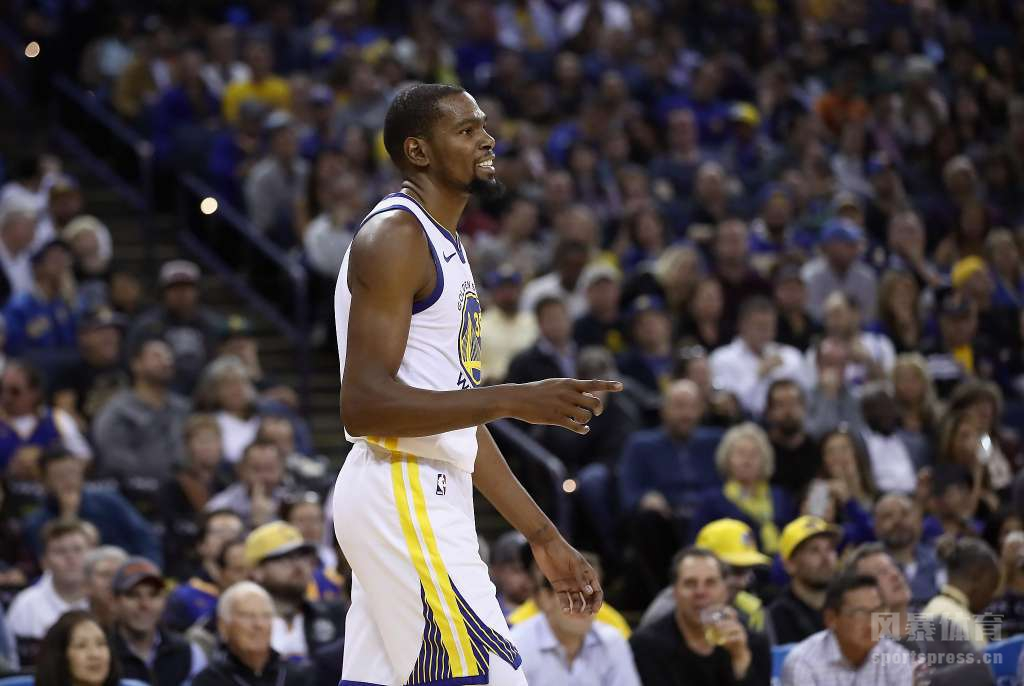 杜兰特将成为明年夏天最大牌的NBA自由球员,而在纽约曼哈顿已经出现了招募杜兰特的广告牌。