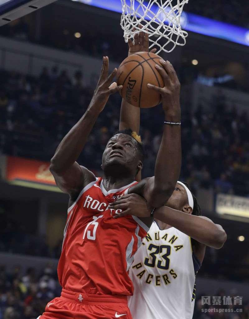 6日,2018-19赛季NBA常规赛继续打响,火箭队客场之旅强势反弹,在客场以98-94险胜步行者队,拿到3连胜。