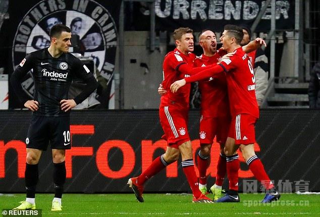 里贝里两球拉菲尼亚建功 拜仁3-0法兰克福