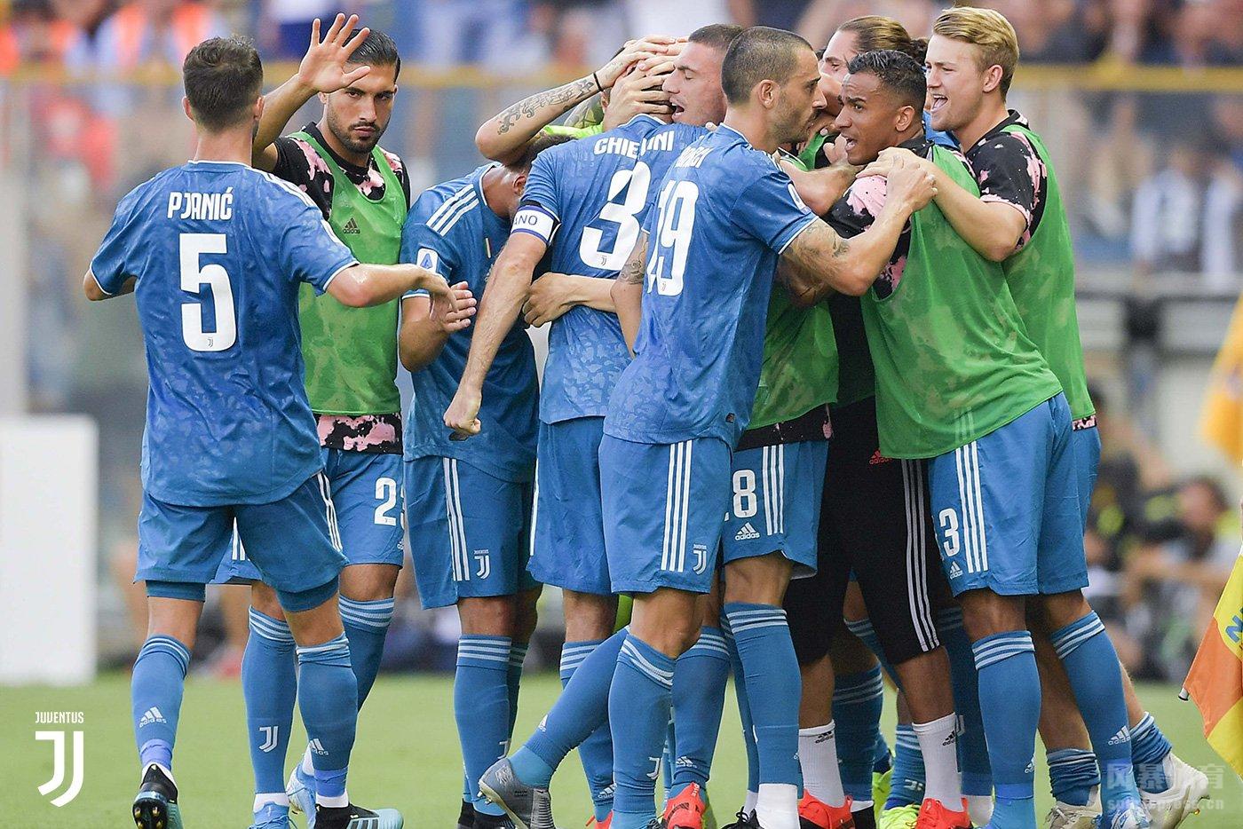 北京时间8月25日凌晨0:00,新赛季意甲揭幕战,尤文图斯客场对阵帕尔马。上半场,基耶利尼为尤文打入赛季首球,C罗打入一球被判越位无效;下半场比赛,双方再无建树。最终尤文图斯1-0战胜帕尔马,取得赛季开门红。