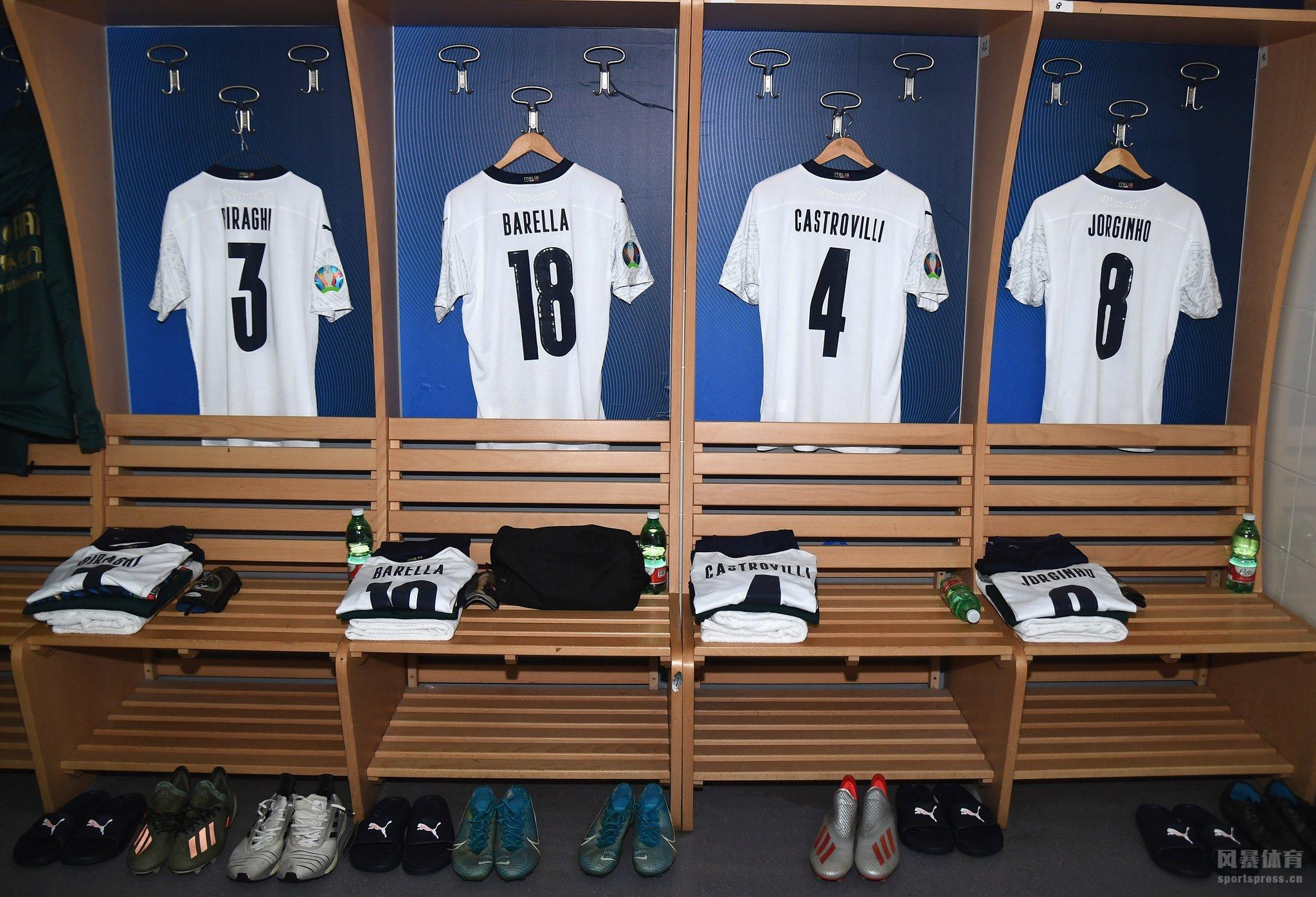 北京时间11月19日凌晨3:45,2020年欧洲杯预选赛继续进行,意大利主场迎战亚美尼亚。上半时比赛因莫比莱两射一传,扎尼奥洛打进国家队首球,巴雷拉破门。下半时比赛扎尼奥洛远射再下一城,罗马尼奥利、若日尼奥与奥索里尼分别进球,巴班扬打进世界波为客队追回一球,随后小基耶萨破门锦上添花。最终,意大利9-1狂胜亚美尼亚收获预选赛全胜