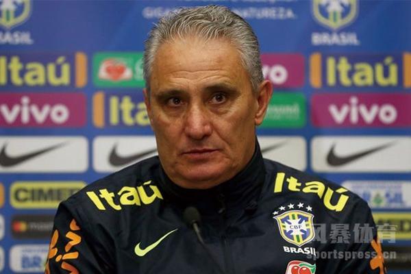 梅西曾对巴西主帅蒂特做出闭嘴手势
