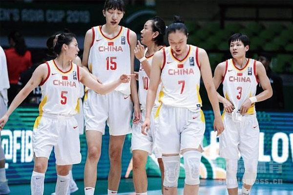 中女篮队员