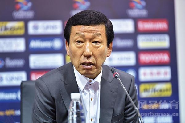 崔康熙将会在新赛季继续执教上海申花