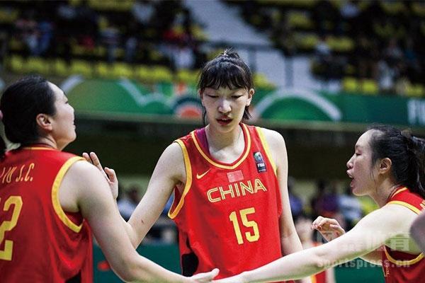 女篮队员韩旭