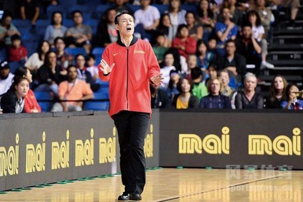 女篮主教练许利民