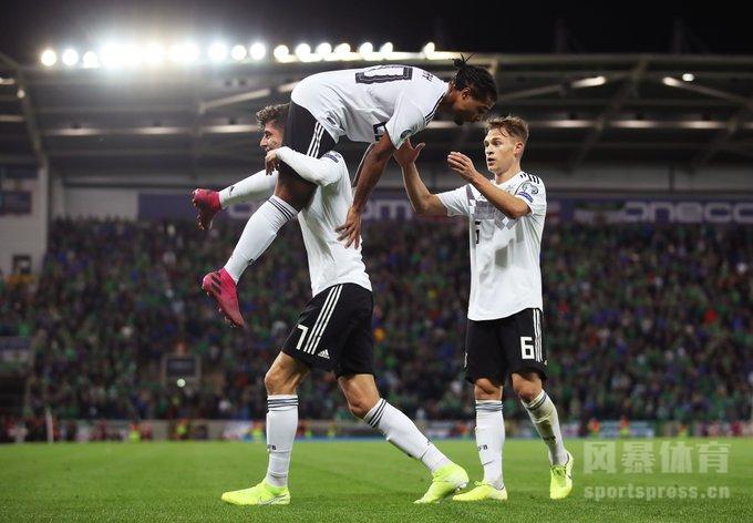 欧洲杯小组赛 北爱尔兰0-2德国