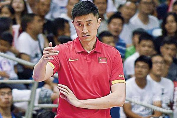 现任中国男篮主教练是谁?杜锋为什么怼曾繁日?