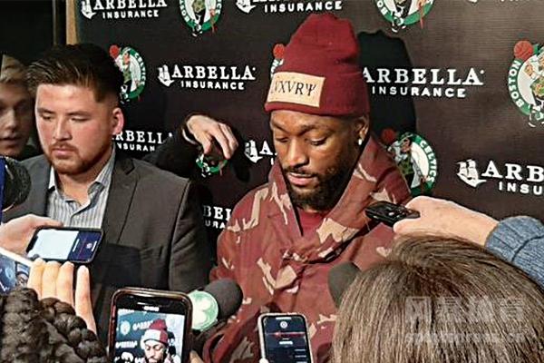 沃克遭驱逐是因为什么?沃克NBA生涯第一次遭遇驱逐?