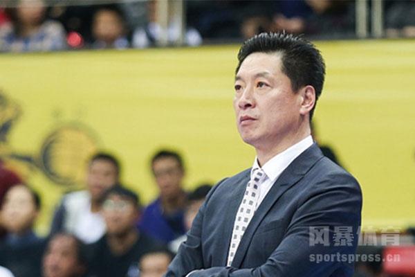 <b>李春江怎么出走广东队的?李春江现在是哪个队的教练?</b>