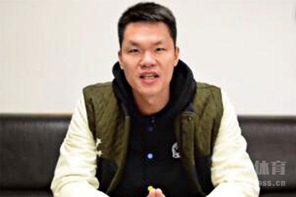 <b>谁说的最好?朱芳雨携CBA东莞银行全队用粤语拜年</b>