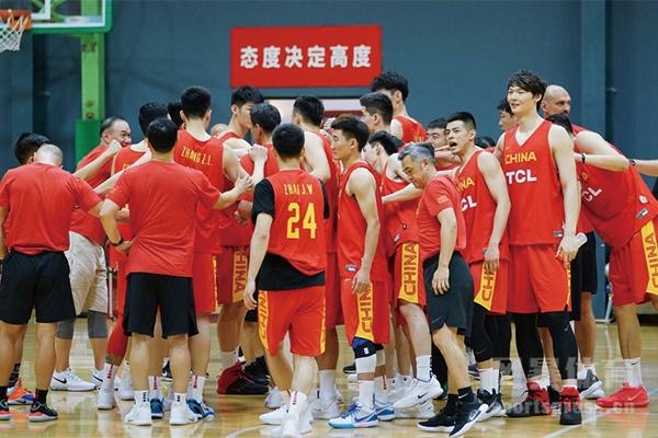 男篮20人大名单是真的假的?中国男篮奥运会落选赛推迟了吗?
