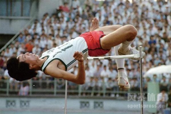 朱建华现在在做什么?朱建华跳高世界纪录是多少?