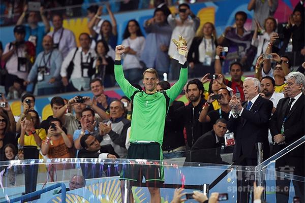 诺伊尔获得2014世界杯金手套奖