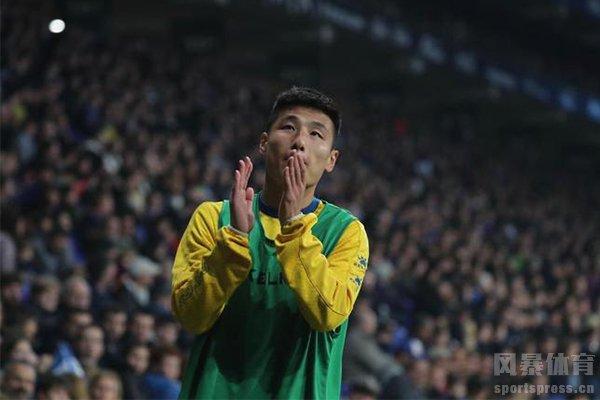 武磊虽然是上场时间少但还是能为球队打出贡献