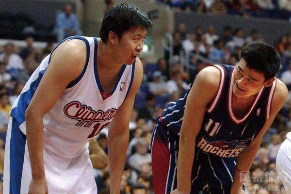 王治郅NBA赛场与姚明对位