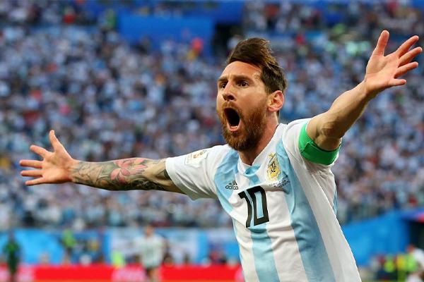 梅西世界杯为什么一直很惨淡?这足球欠梅西一座世界杯!