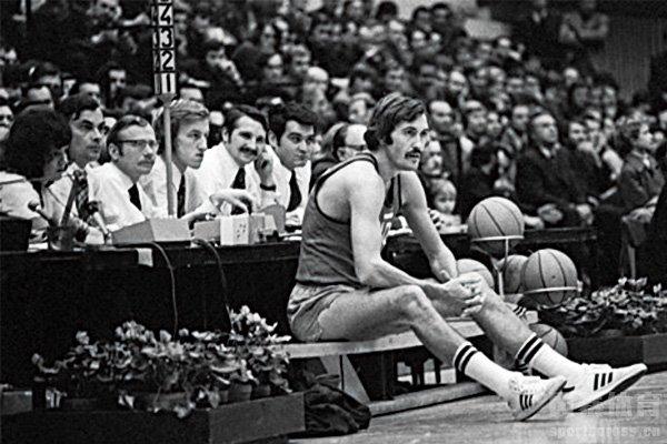 谢尔盖·别洛夫被认为是除NBA以外最出色的篮球运动员