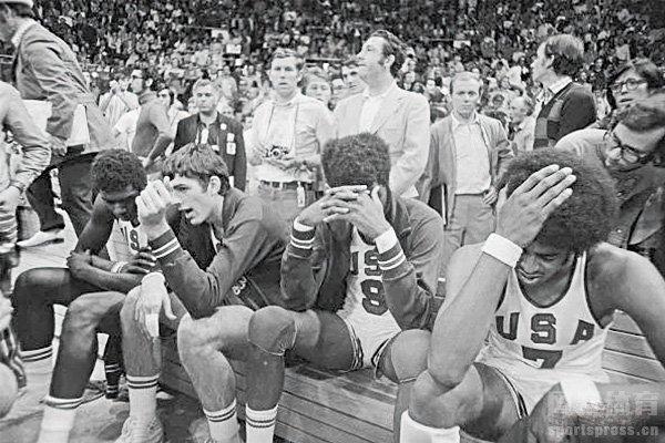 美国男篮当时无法接受这个事实