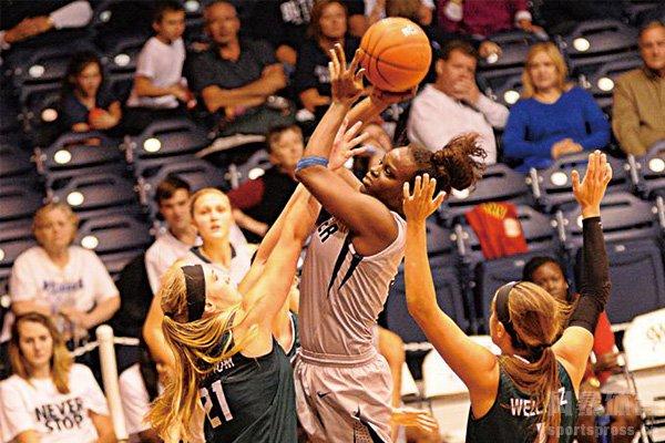 打手犯规在篮球比赛中很常见
