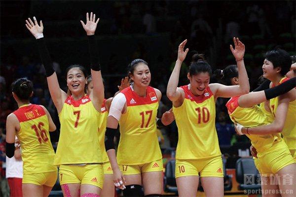 中国女排战胜塞尔维亚队夺冠