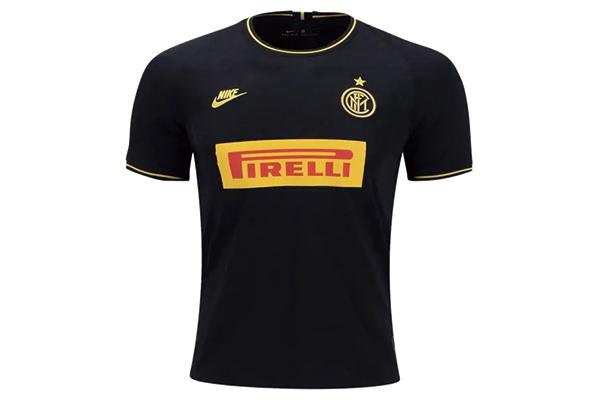 国际米兰黑色球衣