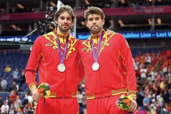 西班牙男篮收获银牌