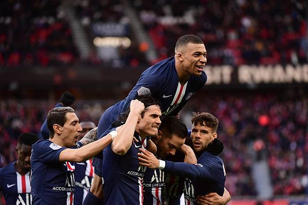 当然毋庸置疑,法甲冠军还是老牌霸主巴黎圣日耳曼夺得